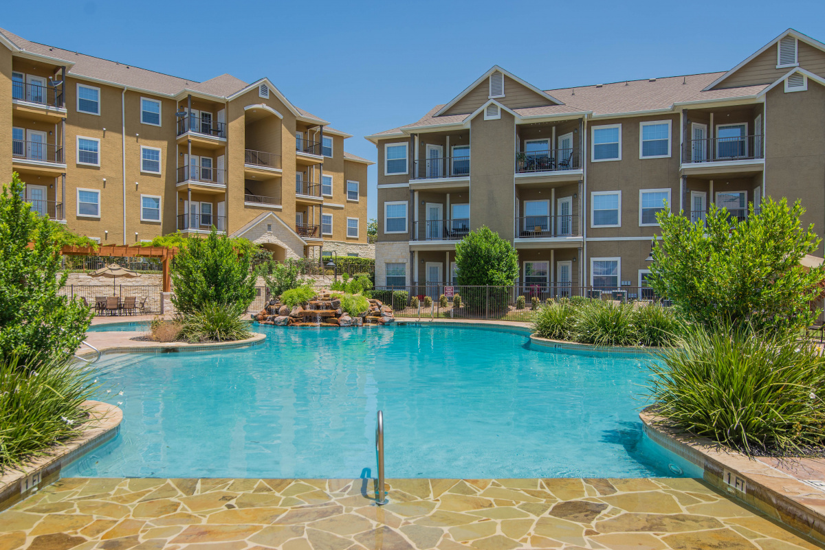 The Falls At Westover Hills 394 Unit Class A Multifamily